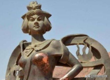 """中國最""""污""""雕像,鐵扇公主被摸到""""包釉""""! 漆都快被游客搓掉"""