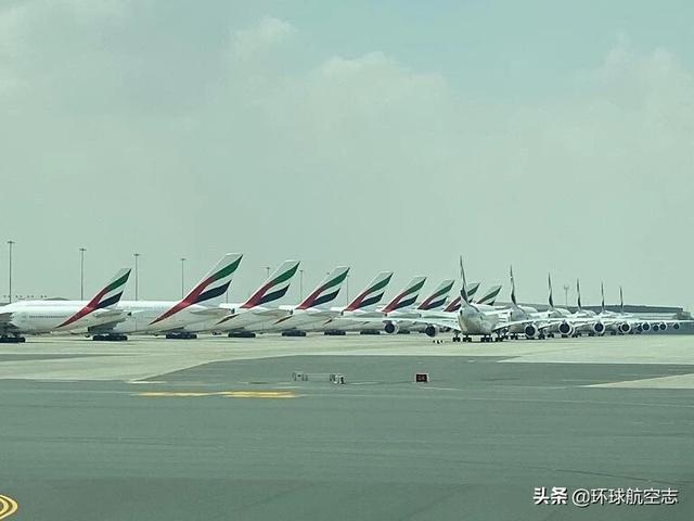 壮观!世界各地机场停满飞机