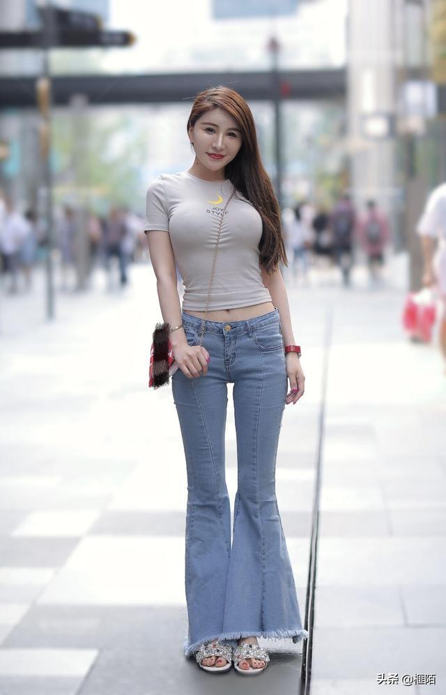 牛仔裤被穿的真好看