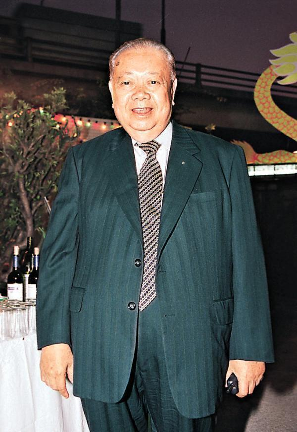周大福、周大发、周生生等等,为啥中国珠宝品牌都姓周?
